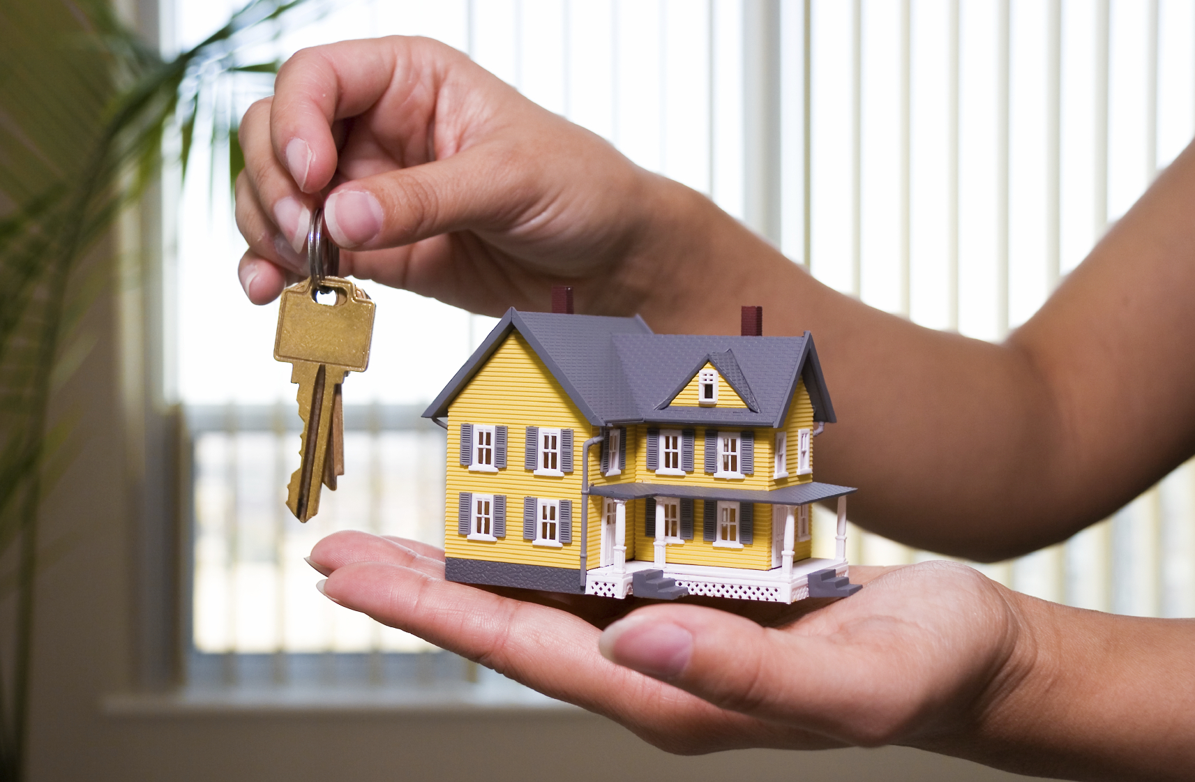 Why Hire A Licensed Real Estate Agent